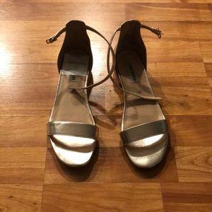 Steve Madden gold sandal flats, 8.5